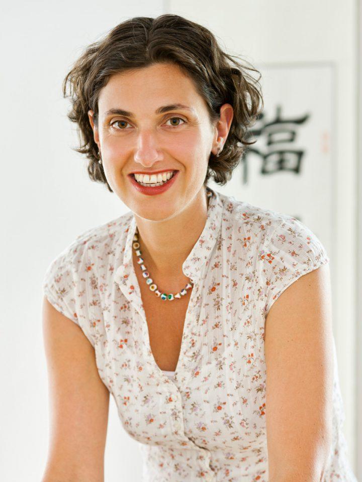 Dr. med Claudia Mittenzwey-Hänel: »Ich begleite Sie auf dem Weg zu mehr Gesundheit und Wohlbefinden.«